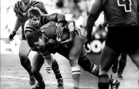 1989 Grand Final: Canberra Raiders forward Steve Jackson on the way to the try line.