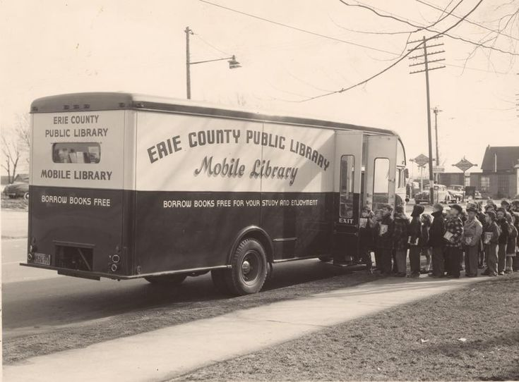 Mobile library, Erie County (N.Y.) Public Library, 1950s?