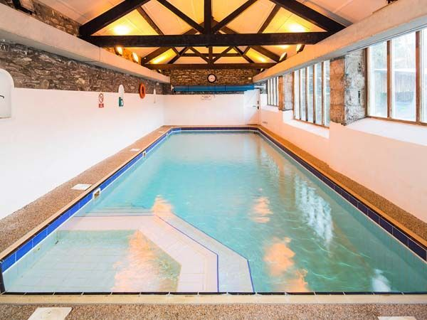 57 best luxury cottages images on pinterest luxury cottages pools and swimming pools for Cottages in the lakes with swimming pools