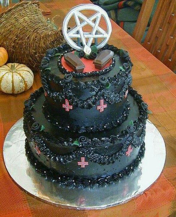 Yes ! Gothic/satanic/Halloween Wedding Cake