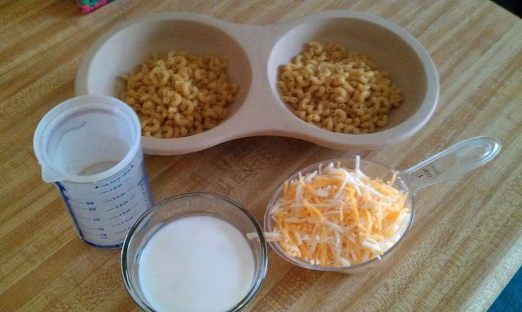 Get the Microwave Egg Cooker to make this and many more great recipes?! September Price $15.60 ($19.50 Reg) 1/2 cup elbow macaroni and 1/2 cup water per well. Cover with parchment paper, cook on High in for 3 min. Carefully remove from microwave and stir. Recover and cook on High 2-3 min, or until water is absorbed and pasta is al dente. Stir in 1/2 cup shredded cheese and 1/4 cup milk. Cover and cook 1 min on High. Stir and cook for 30 seconds, or until cheese is melted and milk is…