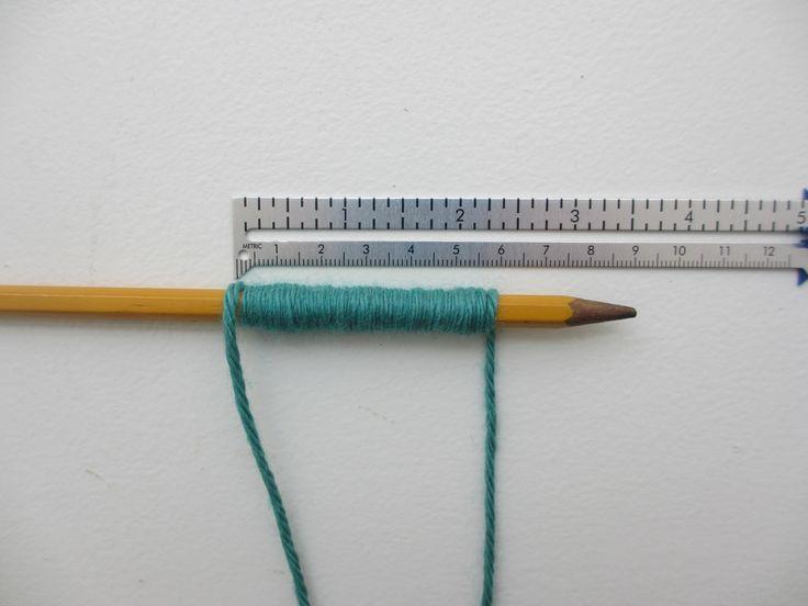 Calculate wraps per inch - seam gauge and yarn around pencil