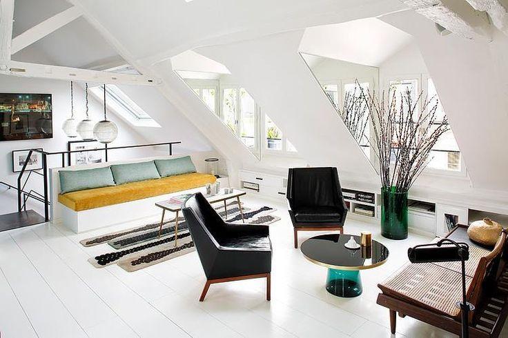Lukarny + lustra = jeszcze więcej światła i przestrzeni / Dormer with mirror! / zrodlo: Home Adore FB