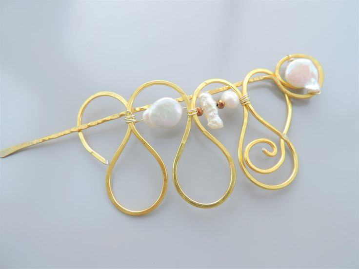 Tuchschließen - Schalnadel, Tuchnadel, Schmucknadel, echte Perlen - ein Designerstück von Guggarella bei DaWanda