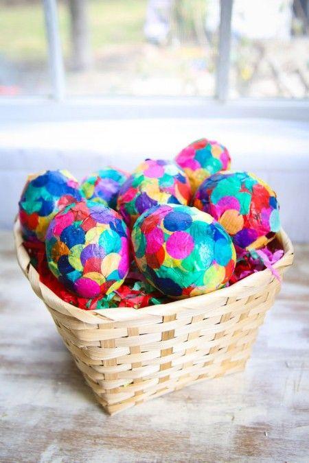 Como hacer huevos de pascua de confeti