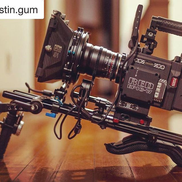 Awesome RED EPIC setup using the Remote Live 2! #Repost @justin.gum with @repostapp ・・・ Locked and loaded. Ready for battle. ----------------------------------------- #epicw #digitalcinema #camera #redepic #reddigitalcinema #switronix #rokinon #fotga #pdmovie #remotelive #gearporn #filmgear #cinematography #cinema #filmmaking #rig #shoulderrig #followfocus #5d
