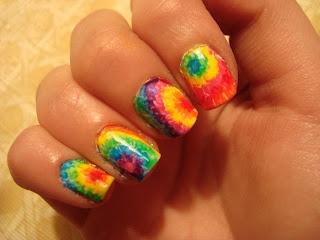 watermarble tie dye nails