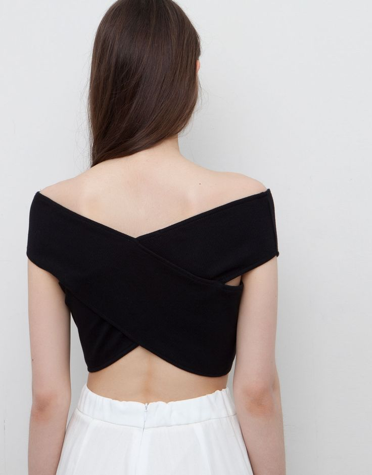 crossover black crop top t shirts and tops woman. Black Bedroom Furniture Sets. Home Design Ideas