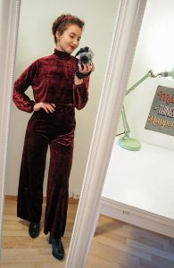 DIY Red Velvet Pants - My Curly Projects Free sewing tutorial, DIY Velvet Pants, DIY trousers, DIY velvet clothes, velvet top, velvet pants