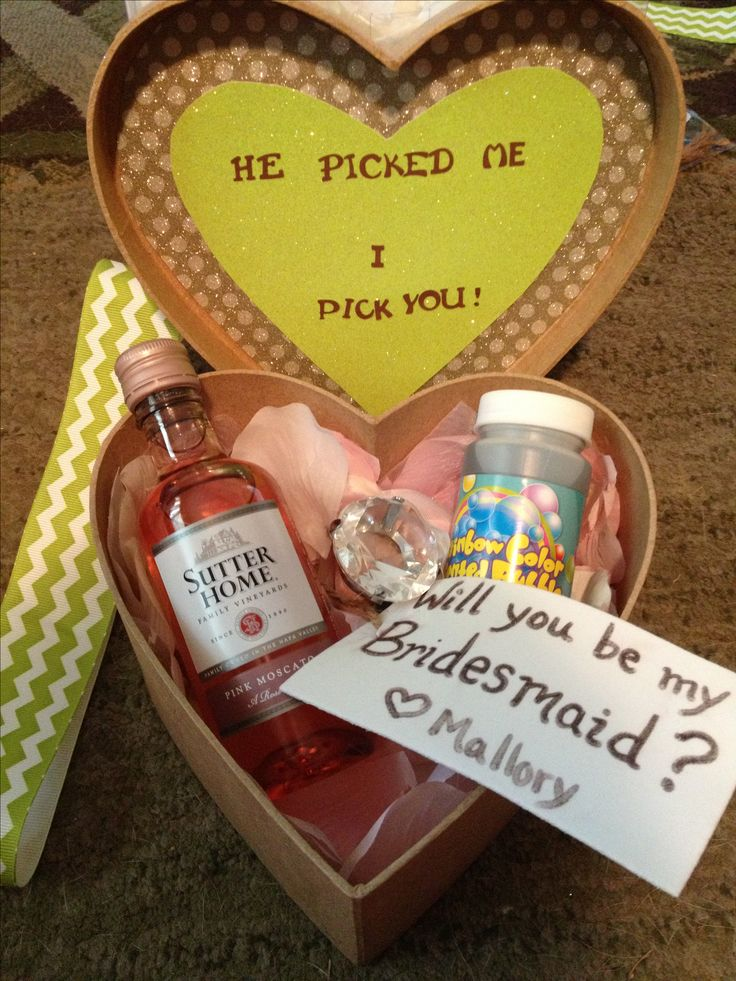 How do you plan to ask your bridesmaids? Her's  a cute idea this #weddingwednesday
