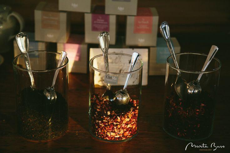 Il tè dell'#accoglienza.  Degustazione di tè, tisane, estratti di frutta accompagnata dalle strepitose melodie di sottofondo del sax