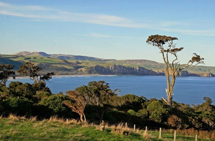 This is another lovely photo from Florence Hill in the Catlins, New Zealand. RiverRidge Retreat offers top quality accommodation in the Catlins at affordable prices.    Take a look at http://www.riverridgeretreat.co.nz/catlins-accommodation.html to find out more information on our cosy units!
