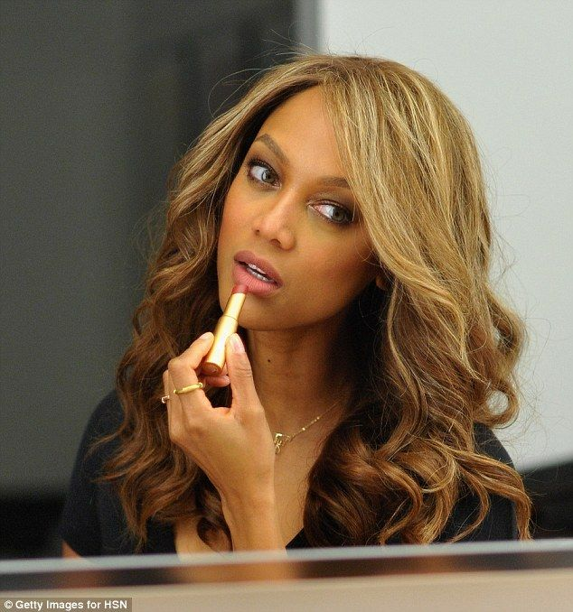 Tyra Banks debuts new make-up line during appearance on shopping show #dailymail