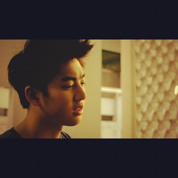 Guess what he wants to say #acharanat #ariyaritwikol #handsome #love #myidol #thailand #guy - @hnnamelisa- #webstagram