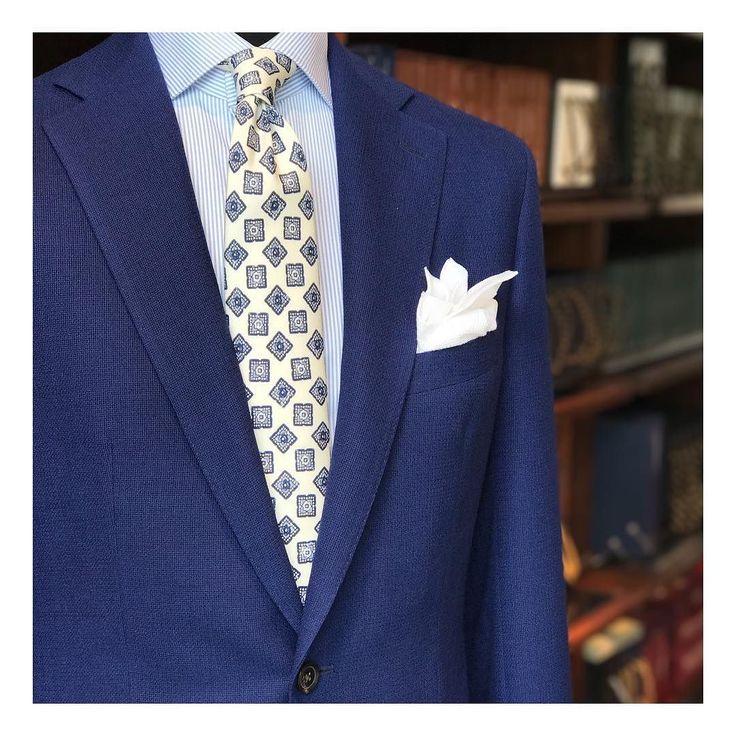 The blues @harrisons1863 #finmeresco #travel #jacket #details
