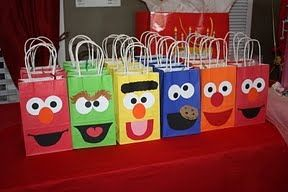 party favor bags | Sesame Street Birthday Party Favor Bag Ideas - Daily Party Dish