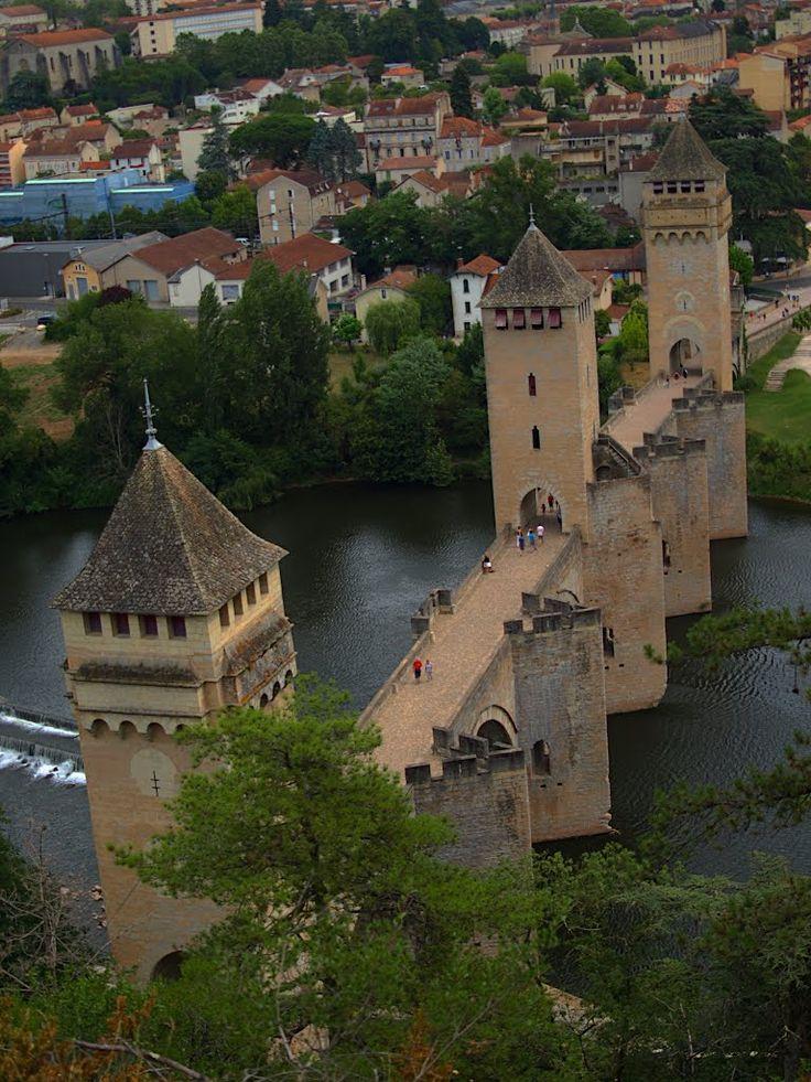 Le pont Valentré (en occitan pont de Balandras), également appelé pont du Diable