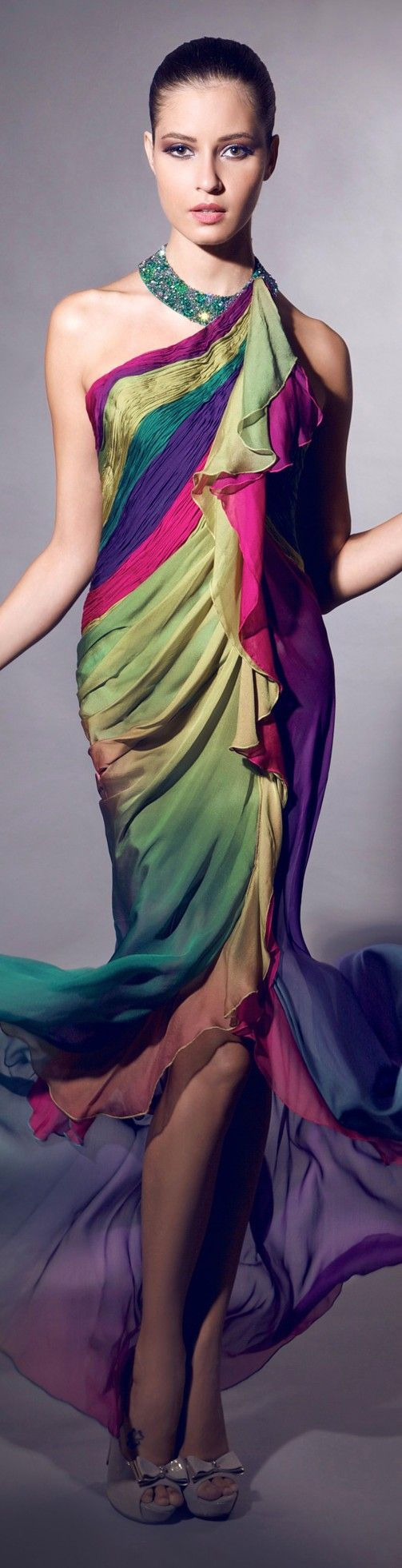 Tarek Sinno haute couture                 I want this;;;;need somewhere to wear it !