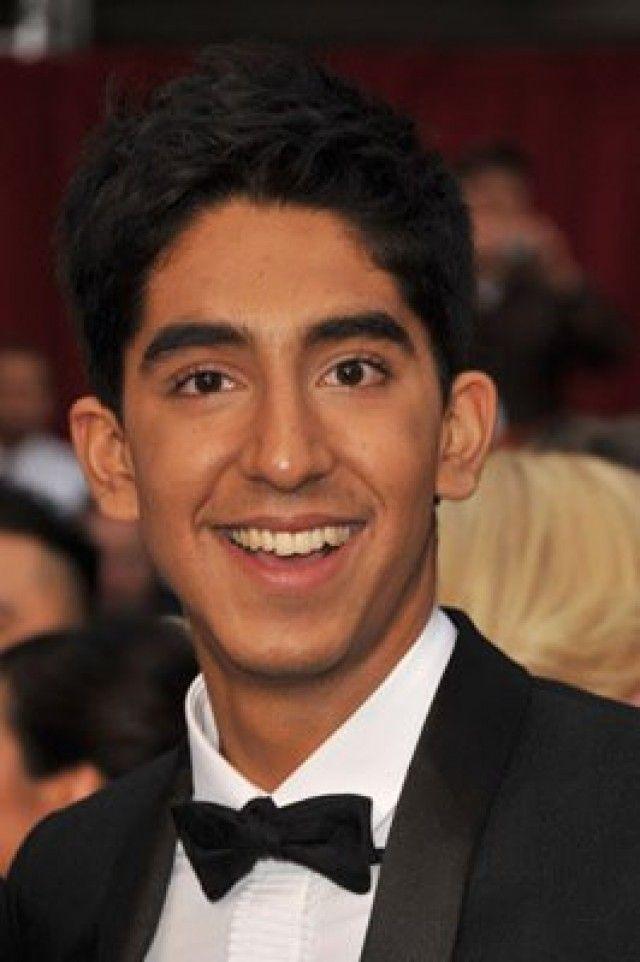 Dev Patel Dev Patel nació el 23 de abril de 1990 en Harrow, Londres, Inglaterra. Es un actor, conocido por Slumdog Millionaire (2008), Airbender, el último guerrero (20 ...