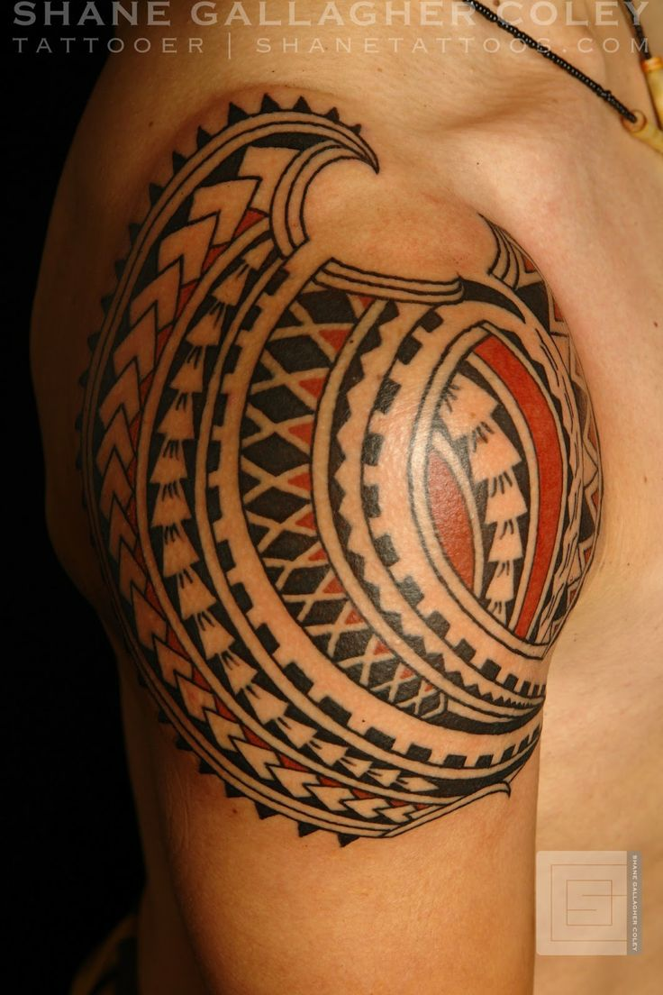 Polynesian shoulder tattoo tatouage polyn sien et maori for Best polynesian tattoo artist