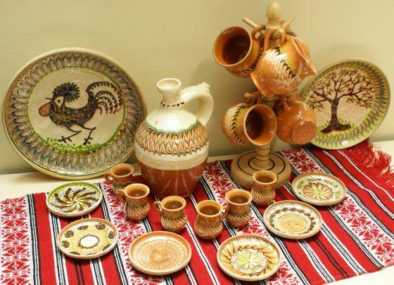 Set ceramic cadou de la Horezu, 23 de piese
