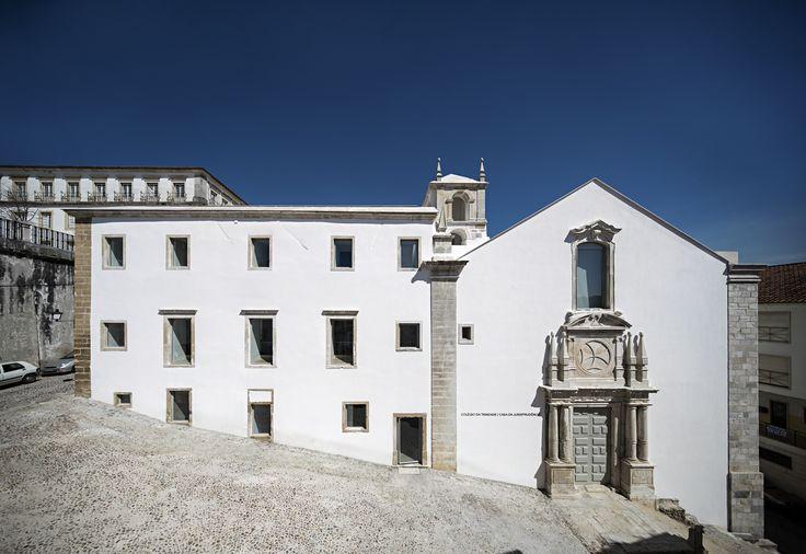 Trinity College Renovation / Aires Mateus