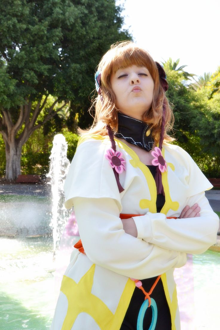 Character: Leia Rolando  Videogame: Tales of Xillia  Cosplayers: Rydia