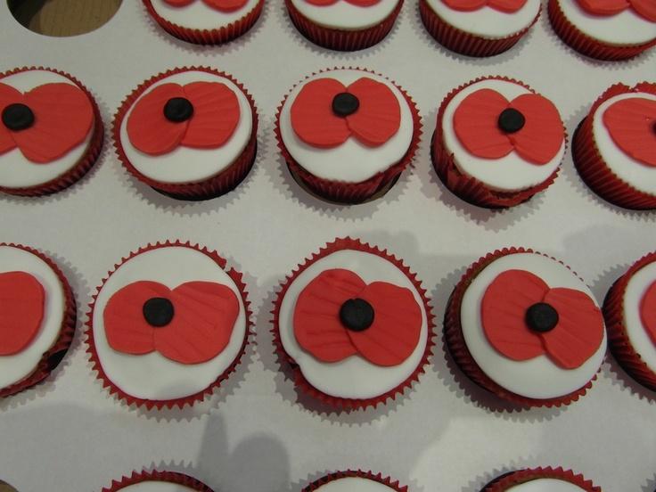 Poppy cup cakes - Fondant Fantastic