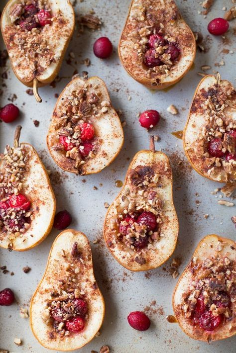 Baked pears with honey, cranberries and pecans (vegan option).