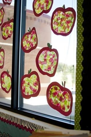 jablíčka - výzdoba oken (hedvábný papír)