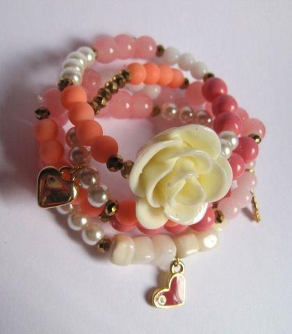 Mar Accesorios Set rosa  ((incluye 4 pulseras corazón rosa, flor, llave y corazón dorado)