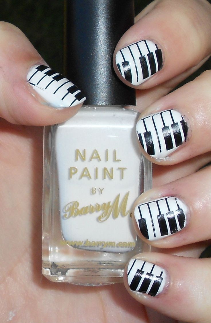 black and white nails - nail art