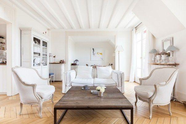 Хотите ходить по дому зимой босиком? Легко! В этом Вам поможет натуральное деревянное напольное покрытие. Наслаждайтесь жизнью!