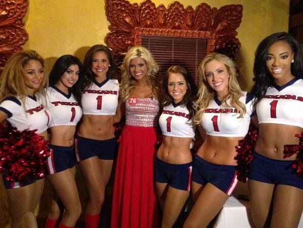 Houston Texans Cheerleaders Prove Everything is Bigger (and Better) in Texas on Prom Night [PHOTOS] | FatManWriting