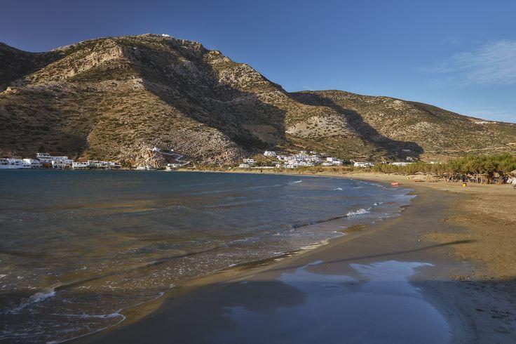 https://flic.kr/p/YYKDcf | 5 Islands: Sifnos – Kameras beach | Cycladic Islands, Spring 2016 (Tinos, Serifos, Sifnos, Milos, Folegandros)  Sifnos, South Aegean, Greece