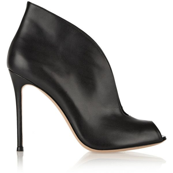 Gianvito Rossi Vamp 105 leather ankle boots (955 AUD) ❤ liked on Polyvore featuring shoes, boots, ankle booties, ankle boots, bota de cano baixo, black booties, black leather ankle booties, black high heel booties, black high heel boots and black ankle boots