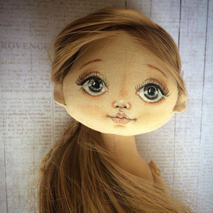 """121 Likes, 15 Comments - Куклы , мишки и их друзья (@lenatoyss) on Instagram: """"Так хотела кареглазую девочку , а получилась сероглазая ) Завтра будем одеваться и искать мамочку )…"""""""