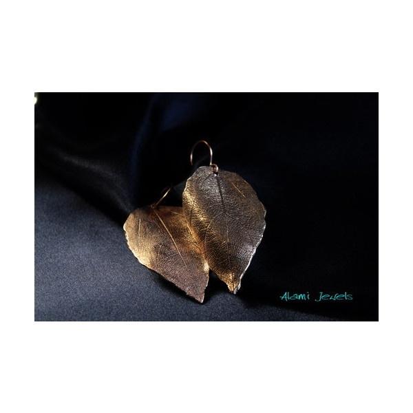orecchini leaf di Alami Jewels su Blomming via Polyvore