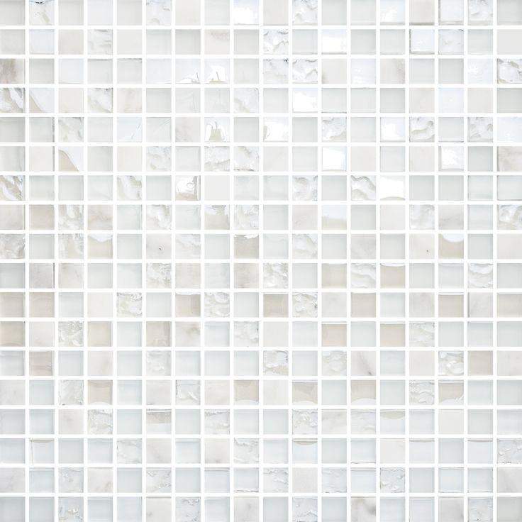 T1515 White Mix Carrara Glam. Effektfull glasmosaik blandat med carrara.