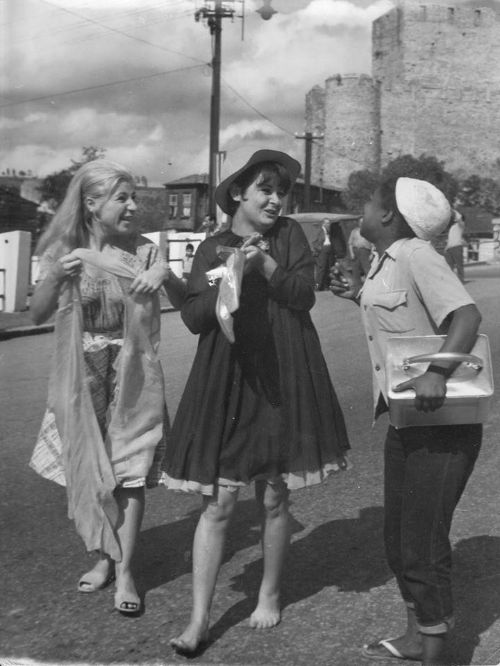 "Fatma Girik,Ayla Algan ve Esmeray  ""Zilli Nazife""(1967)"