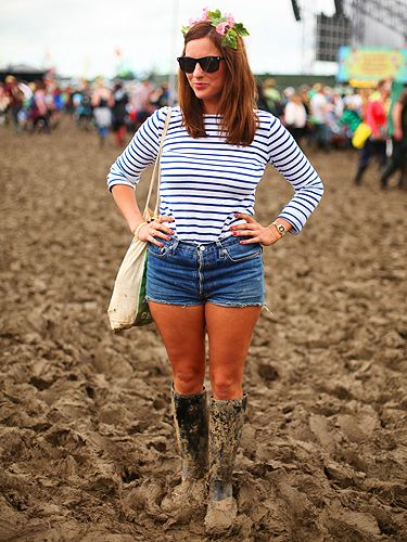sailor stripes,denim mini's,green wellingtons,ray bans and a flower head band...classic festival chic.