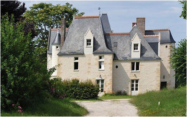 Château de la Roche en Loire  Distance du Château des Réaux: 24,8 km Adresse: La Roche, 37190 Cheillé Lien vers la carte et itinéraire