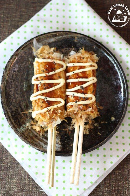 Okonomiyaki (Japanese Savory Pancake) on Chopsticks / 箸巻き