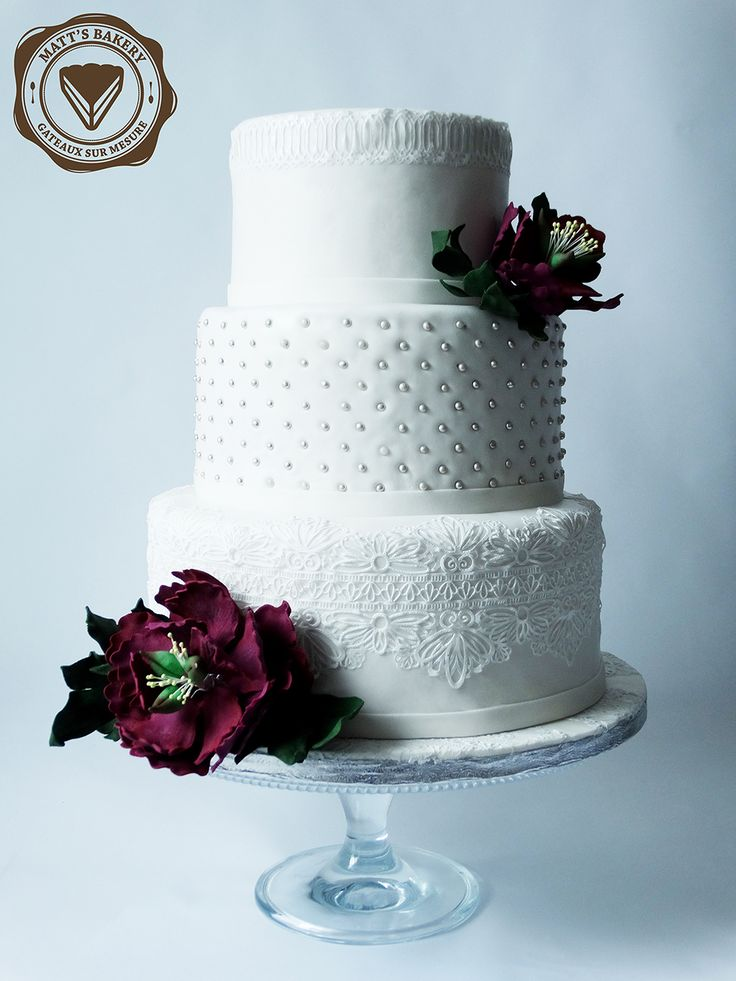 #matts_bakery #cakedesign #angers #white #edible #lace #gumpaste #peony #wedding #cake #satinice #blanc #dentelle #alimentaire #pivoine #mariage #gateau