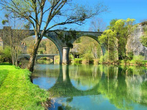 Cléron : les deux ponts et le château