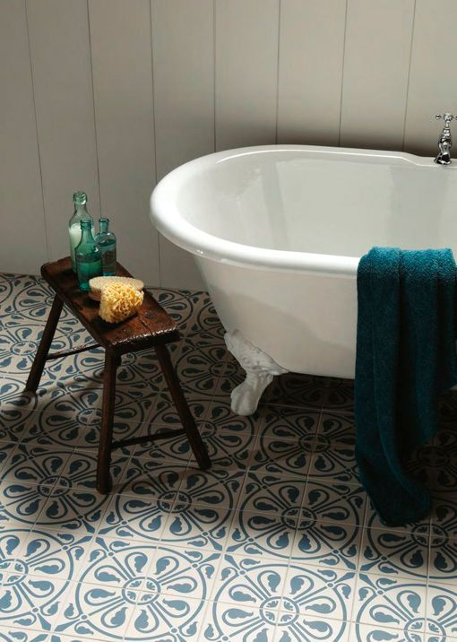 Baldosas decorativas para cuartos de baño: cerámica clásica española