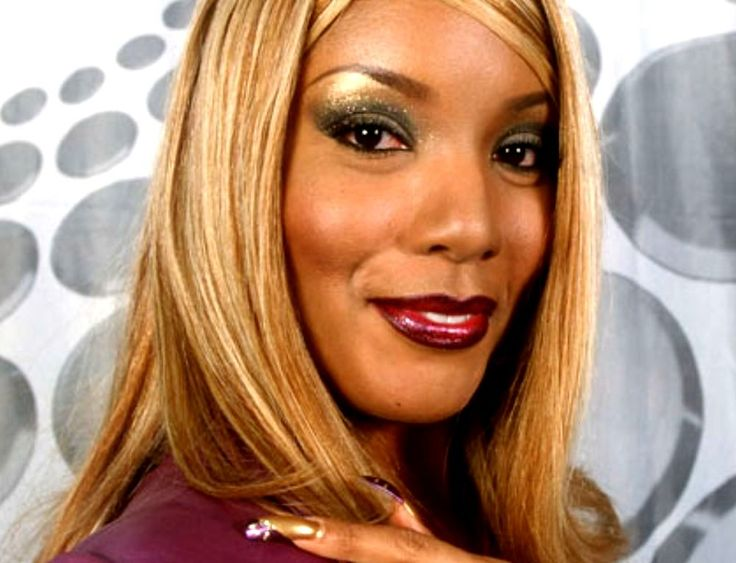 Melanie Thornton November 24, 2001 Pop, R&B, Eurodance & gospel singer Melanie Thornton died in a plane crash in Switzerland. She was 34 years old.