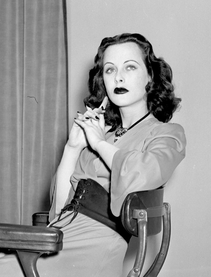 """""""American men, as a group, seem to be interested in only two things, money and breasts. It seems a very narrow outlook."""" - Hedy Lamarr"""