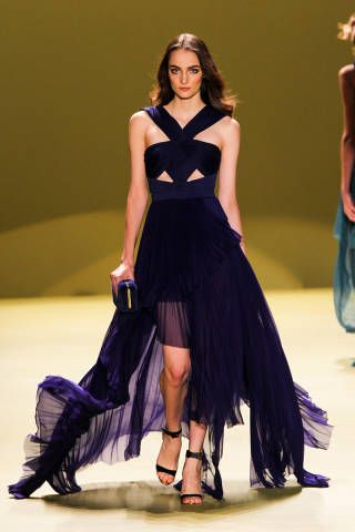 OMG- these dresses are gorgeous- take me to the oscars!!!  Best Gowns New York Runways - Best Fashion Week Gowns - ELLE