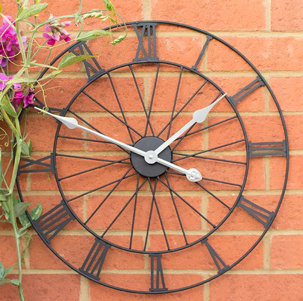 Have a new favourite centrepiece in your outdoor space with this wheel clock, the unique stylish design will further add to the visual interest of this stunning clock, bringing some contemporary style wherever you decide to place it.     Features  Durable design - being